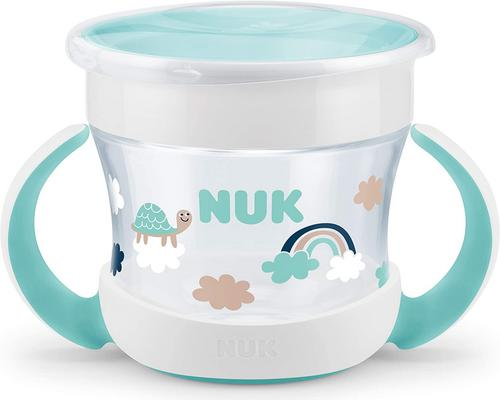 une Tasse Nuk Mini Magic Cup Bébé