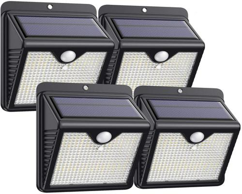 ένα φωτιστικό Trswyop Outdoor Solar Lamp 4 Pack 150 LEDs