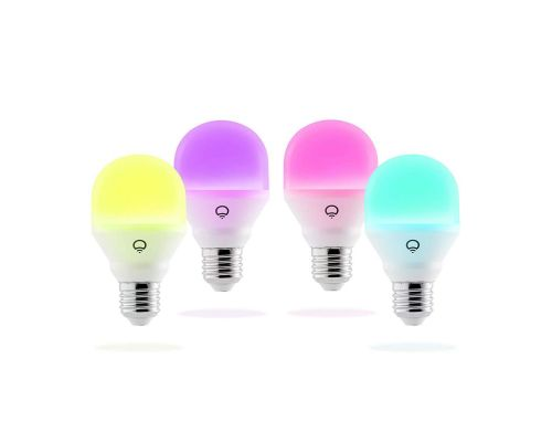 Un set de 4 Ampoules LED smart connectée